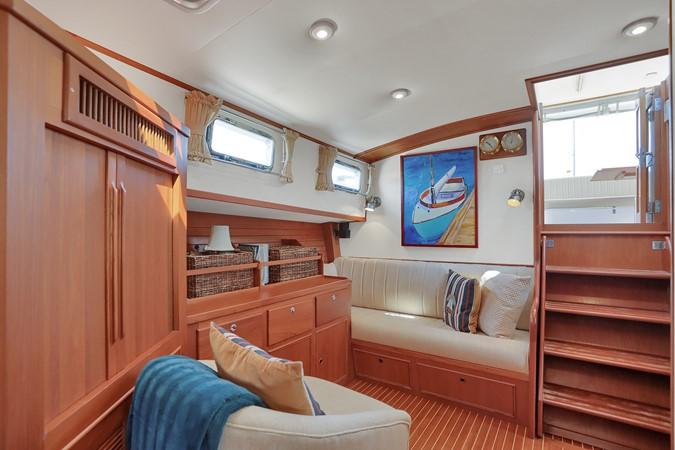 39 1999 GRAND BANKS 49 Eastbay Motor Yacht 2660715