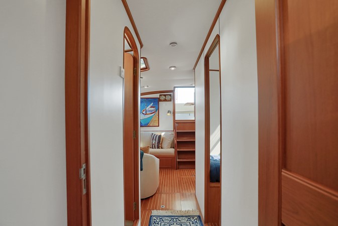 49 1999 GRAND BANKS 49 Eastbay Motor Yacht 2660723
