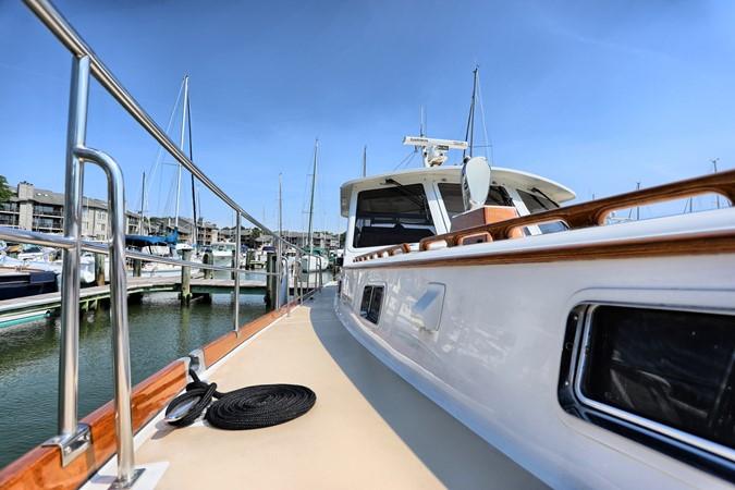 62 1999 GRAND BANKS 49 Eastbay Motor Yacht 2660735