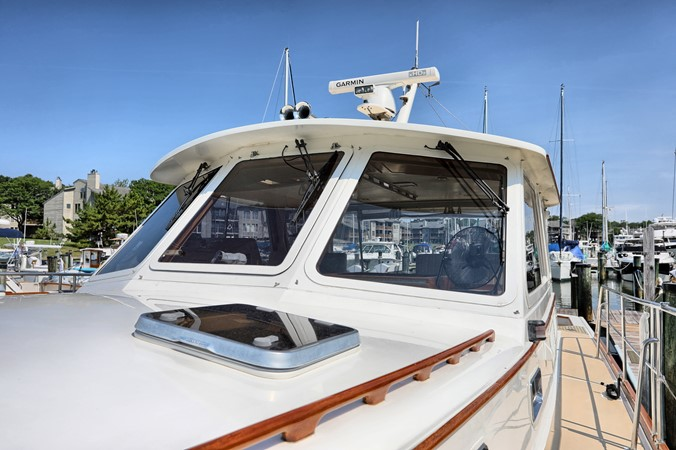 63 1999 GRAND BANKS 49 Eastbay Motor Yacht 2660736