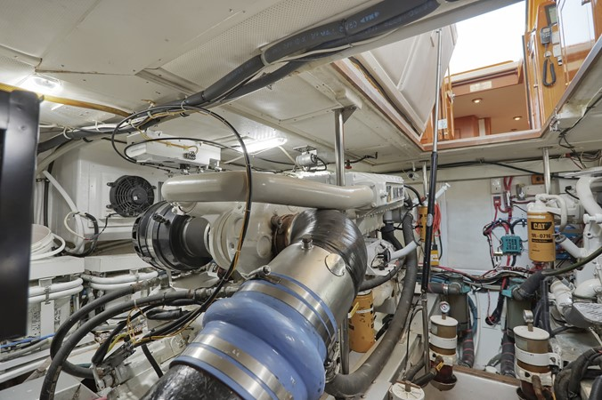 76 1999 GRAND BANKS 49 Eastbay Motor Yacht 2660750