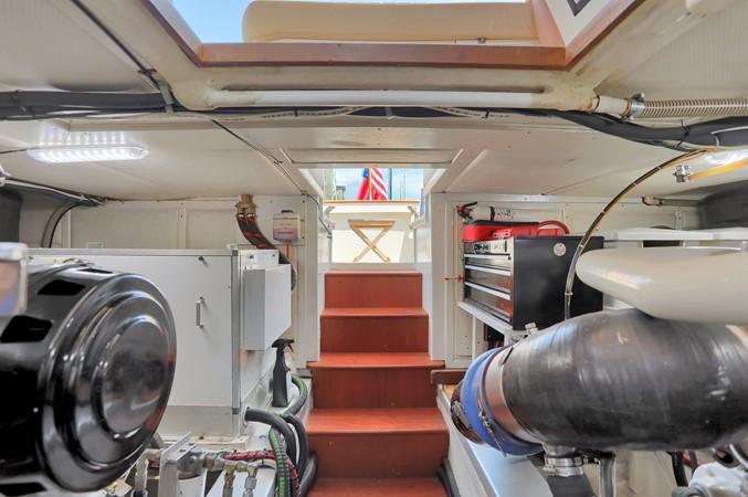 79 1999 GRAND BANKS 49 Eastbay Motor Yacht 2660753
