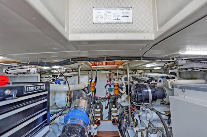 80 1999 GRAND BANKS 49 Eastbay Motor Yacht 2660755