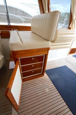 85 1999 GRAND BANKS 49 Eastbay Motor Yacht 2660758