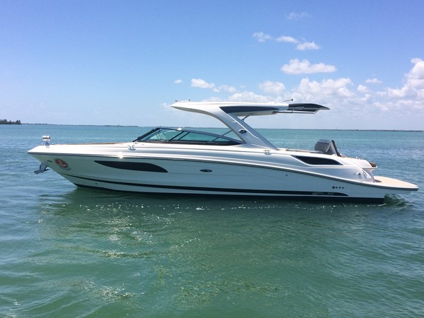2015 SEA RAY 350 SLX Runabout 2264656