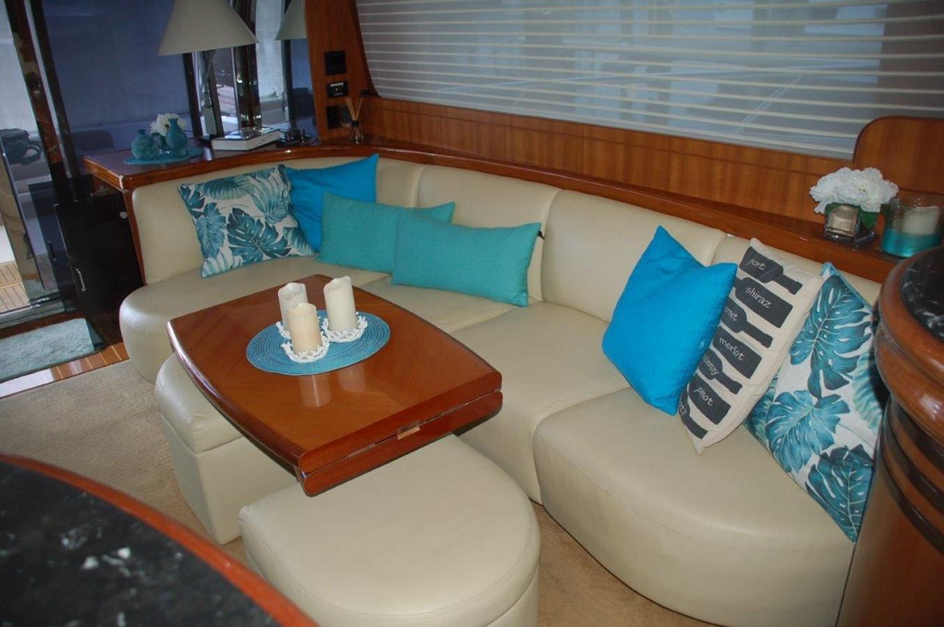 Salon Settee 2002 HORIZON Sedan Motoryacht Motor Yacht 2316623