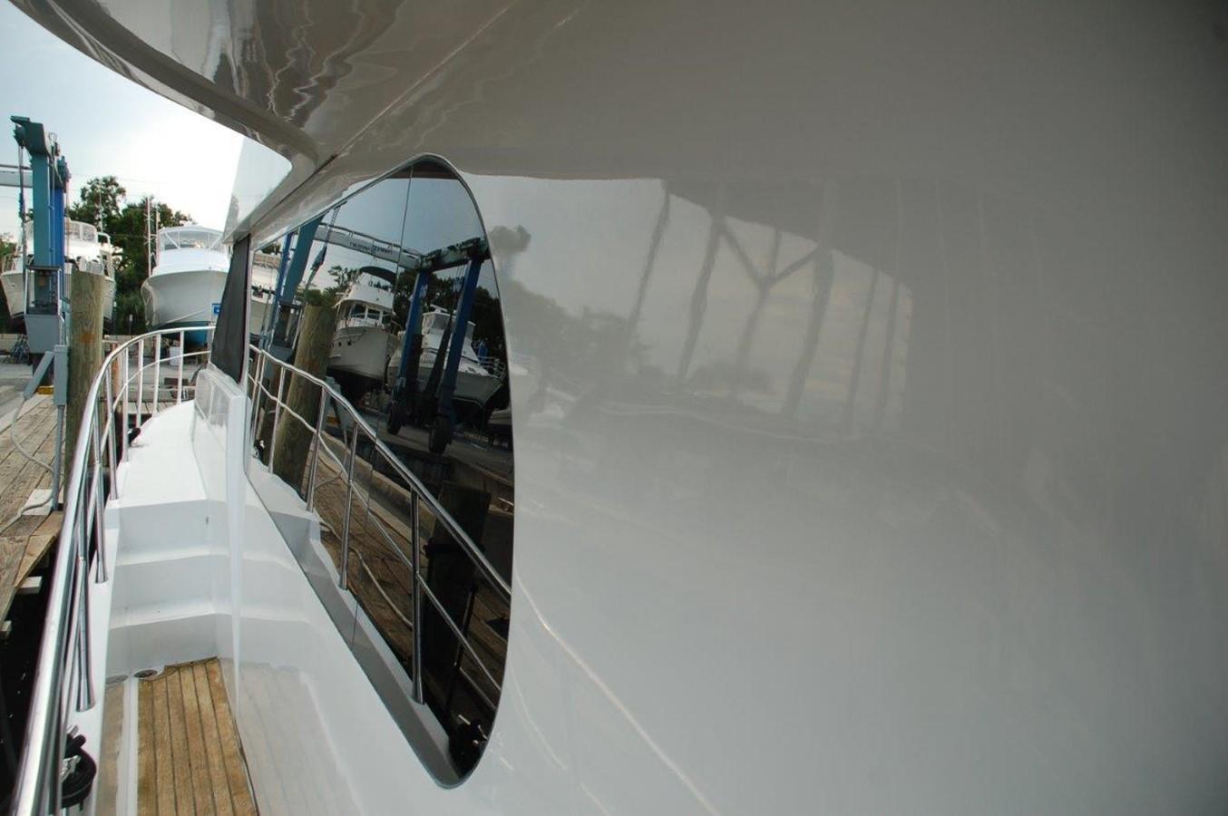 Side Deck 2002 HORIZON Sedan Motoryacht Motor Yacht 2316637