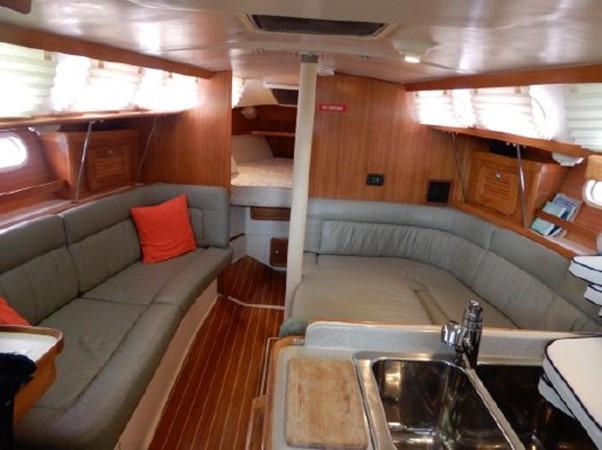 2006 CATALINA  Cruising Sailboat 2270759