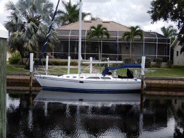 2006 CATALINA  Cruising Sailboat 2270760