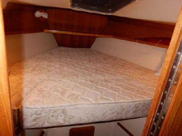 2006 CATALINA  Cruising Sailboat 2270763