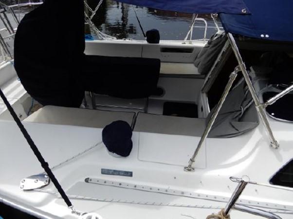 2006 CATALINA  Cruising Sailboat 2270767