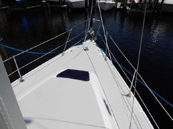 2006 CATALINA  Cruising Sailboat 2270770