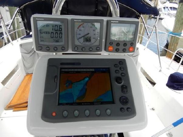 2006 CATALINA  Cruising Sailboat 2270771