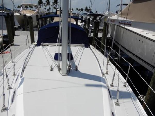 2006 CATALINA  Cruising Sailboat 2270772