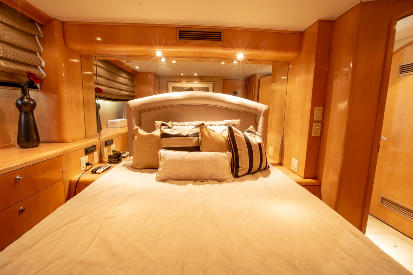 2000 HATTERAS Motor Yacht  2281969