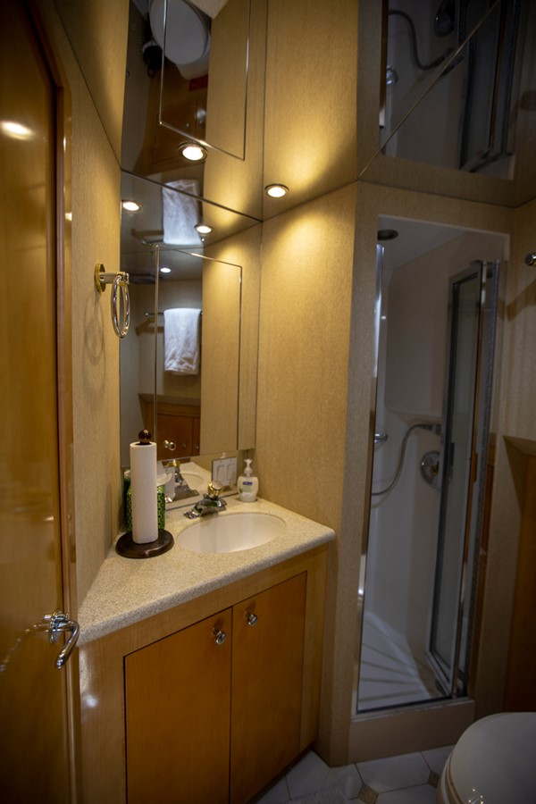 2000 HATTERAS Motor Yacht  2281975