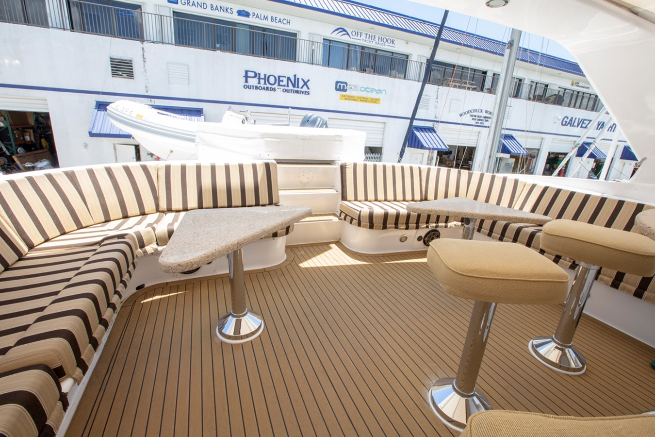 2000 HATTERAS Motor Yacht  2281978