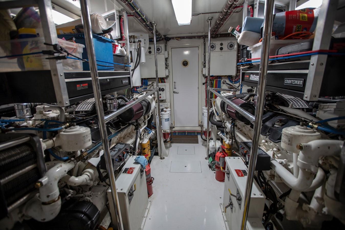 2000 HATTERAS Motor Yacht  2281998