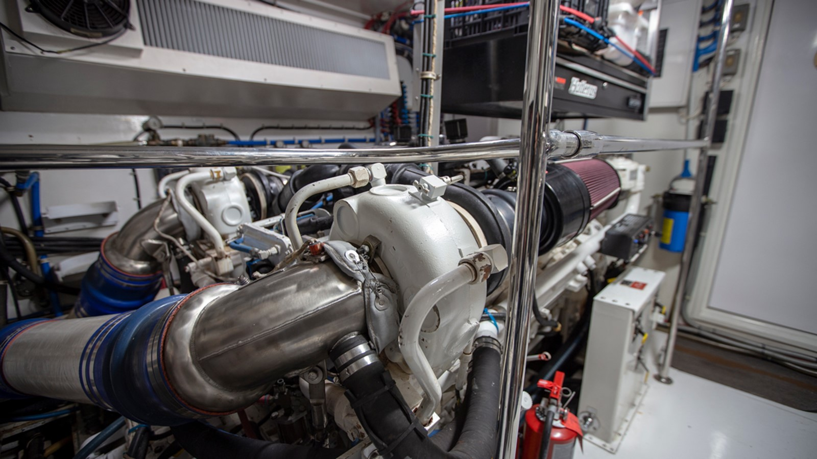2000 HATTERAS Motor Yacht  2281999