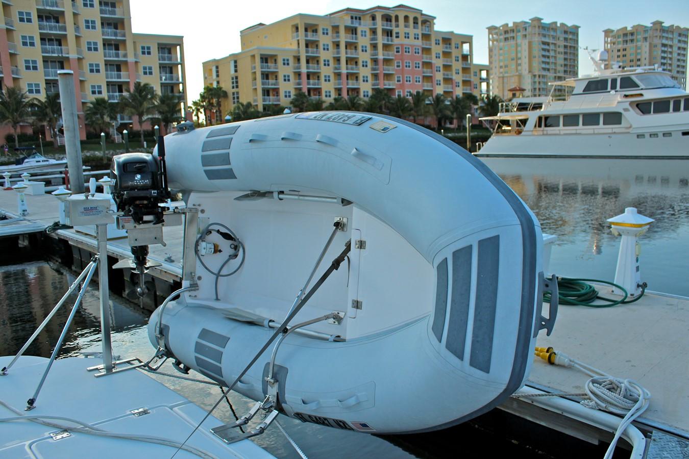 2005 CRUISERS YACHTS 400 Express Motor Yacht 2284488