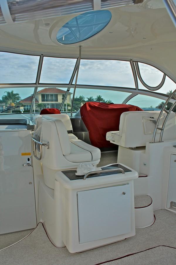 2005 CRUISERS YACHTS 400 Express Motor Yacht 2284491