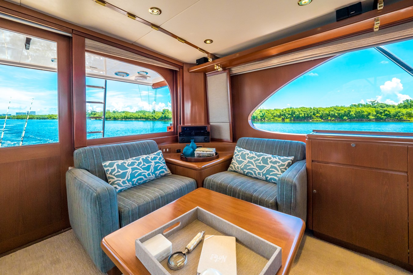 Salon Seating Looking Aft to Port 1985 FEADSHIP Yacht Fisherman Sport Fisherman 2313187