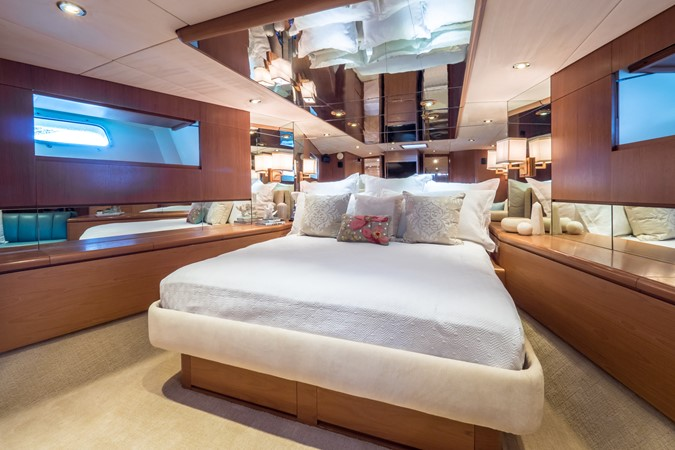 Master Looking to Port 1985 FEADSHIP Yacht Fisherman Sport Fisherman 2313204