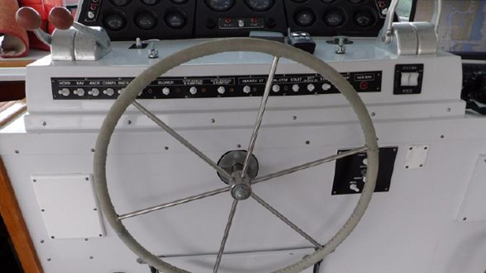 1975 BERTRAM Motor Yacht Flybridge 2308597