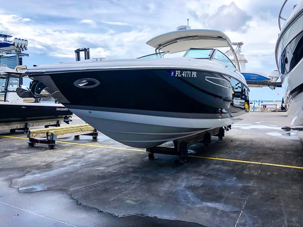 Port bow profile 2014 COBALT 336 Deck Boat 2308757