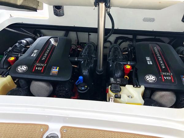 Engines 2014 COBALT 336 Deck Boat 2308779
