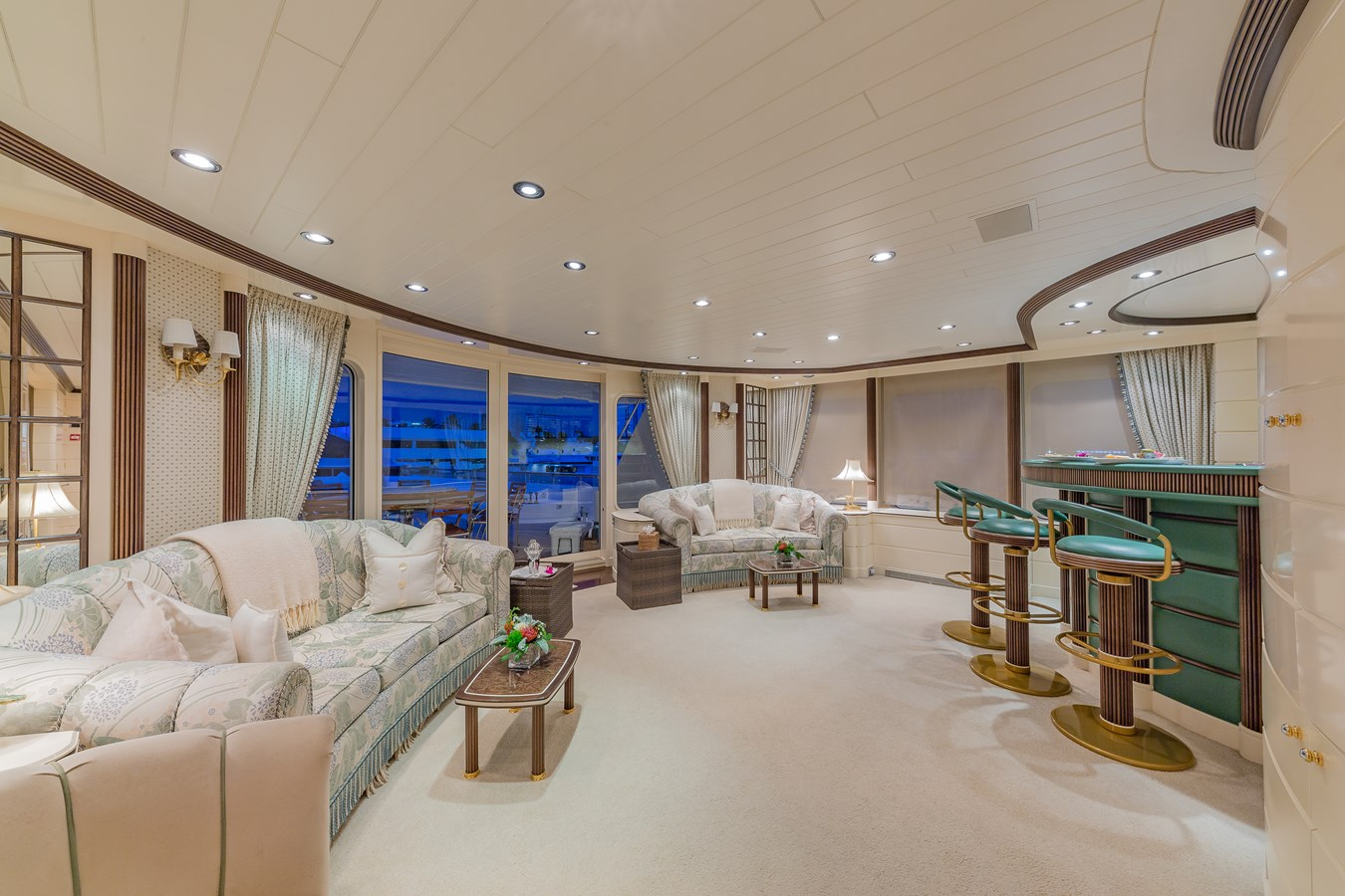 1997 FEADSHIP  Displacement 2921243
