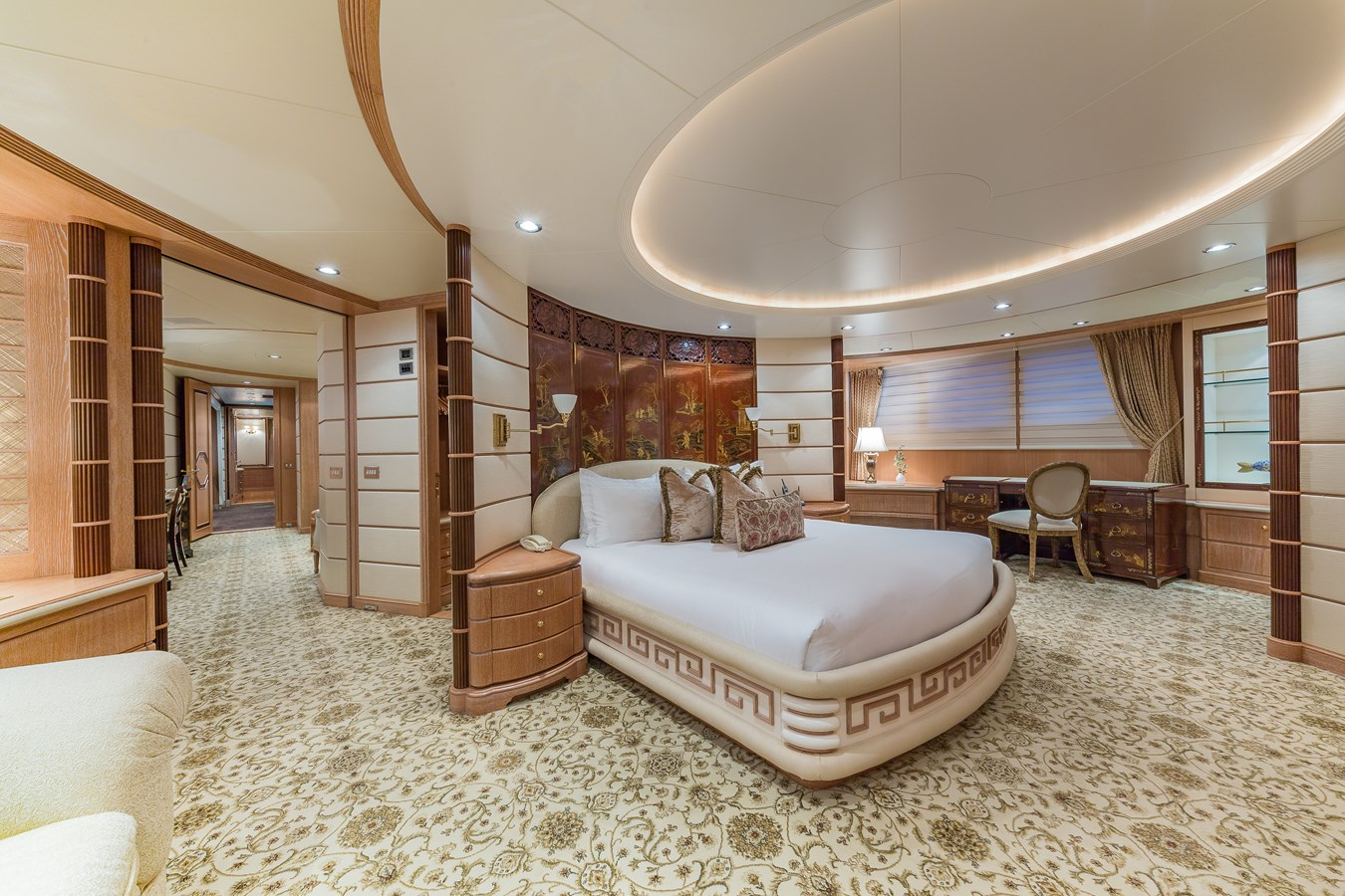 1997 FEADSHIP  Displacement 2921247