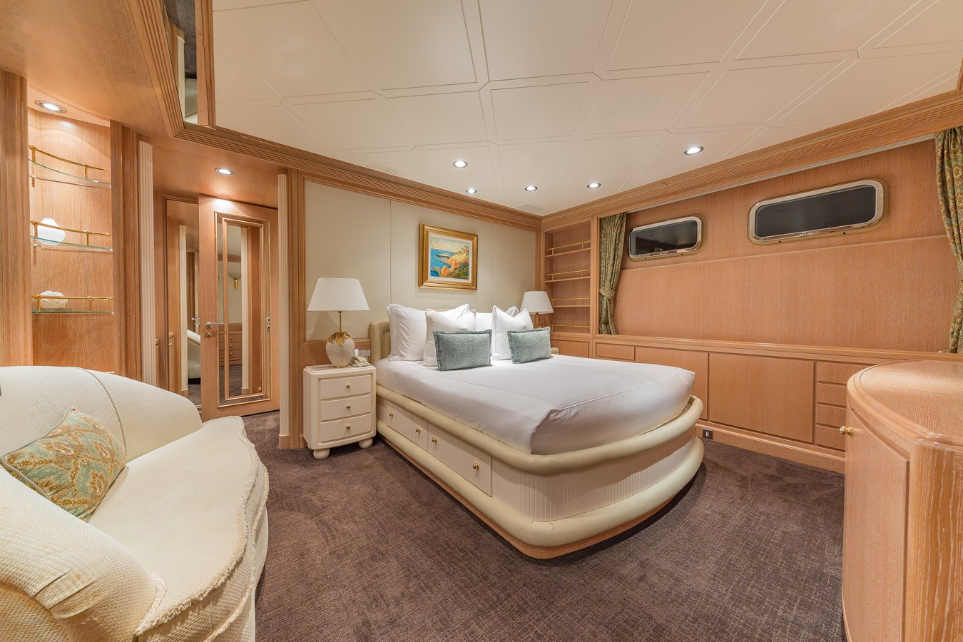 1997 FEADSHIP  Displacement 2921256