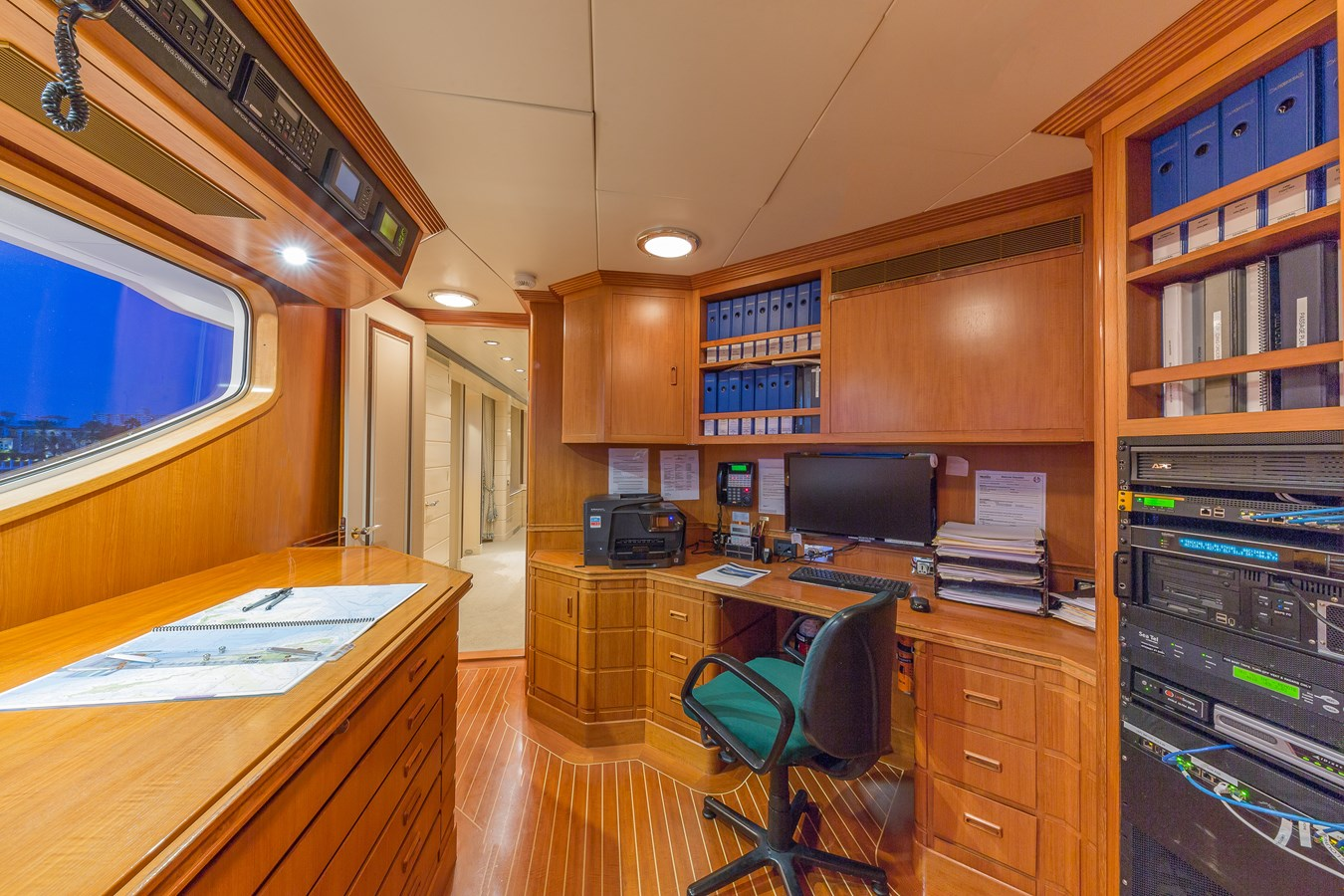 1997 FEADSHIP  Displacement 2921259