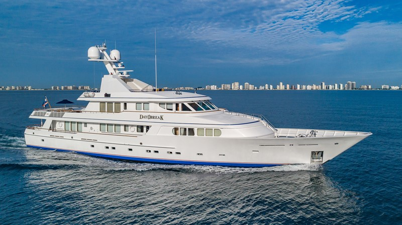 1997 FEADSHIP  Displacement 2328134