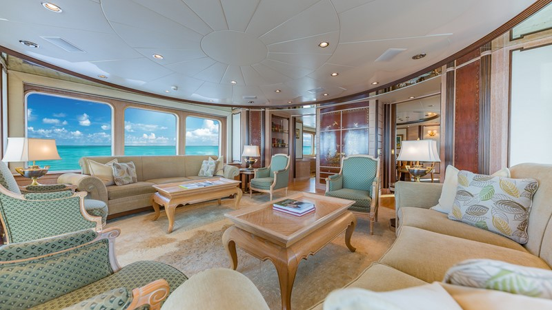 1997 FEADSHIP  Displacement 2420610