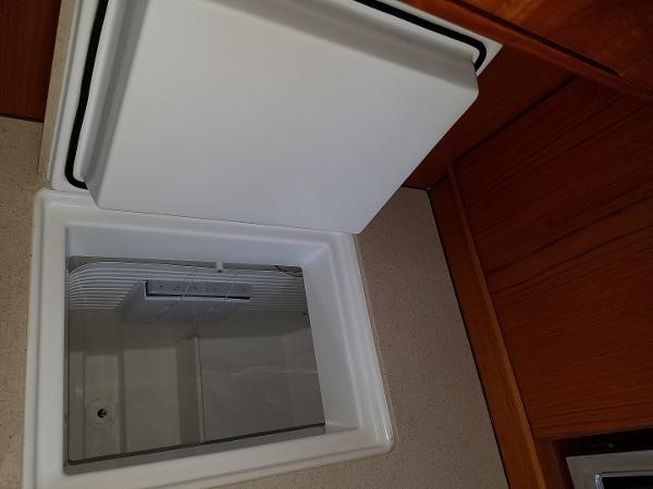 Frigoboat Separate Freezer  2009 JEANNEAU DS 54  2309368