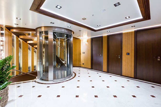 MY Maybe - Elevator lobby 2016 MetalSHIPS & Docks   Displacement 2309460