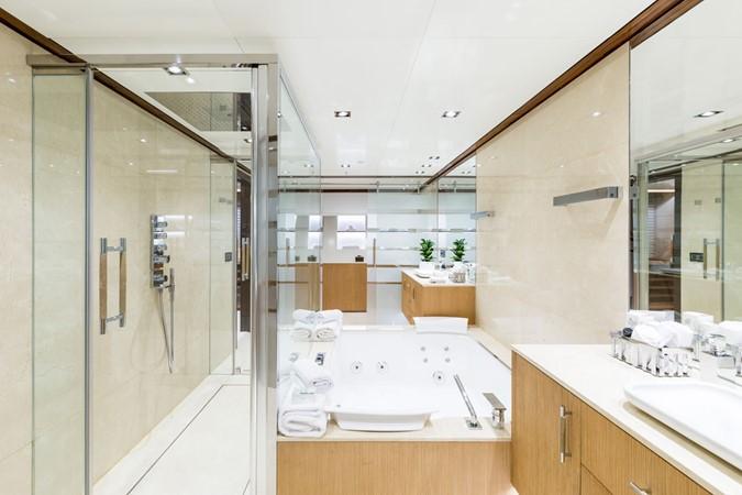 MY Maybe - Master bathroom 2016 MetalSHIPS & Docks   Displacement 2309483