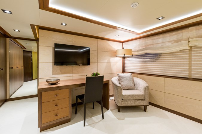 MY Maybe  - guest cabin 2016 MetalSHIPS & Docks   Displacement 2309494