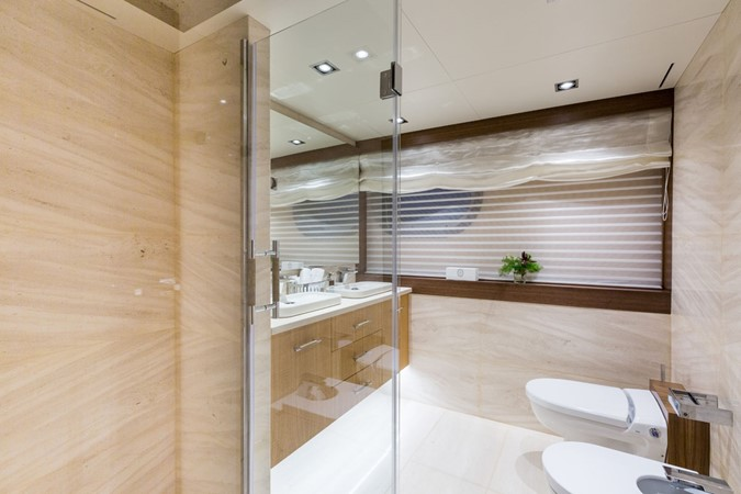 MY Maybe - Master bathroom 2016 MetalSHIPS & Docks   Displacement 2309495