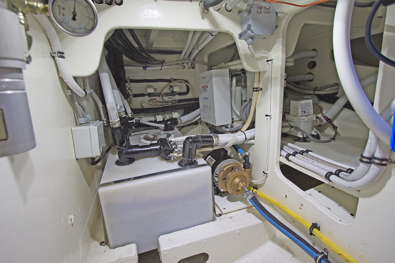 Under Deck Equipment 1986 GULFSTAR Enclosed Cockpit Center Cockpit 2448540