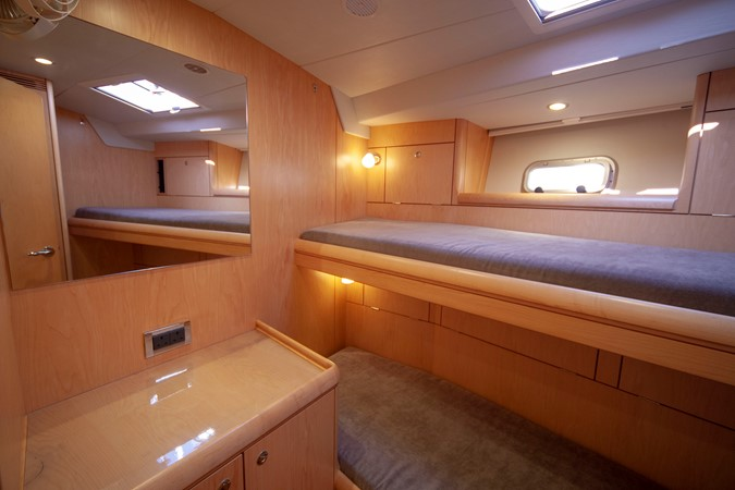 2013 OYSTER MARINE LTD 575 Deck Saloon 2313592