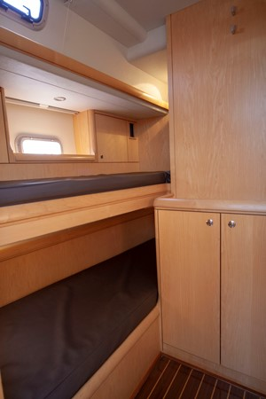 2013 OYSTER MARINE LTD 575 Deck Saloon 2313593