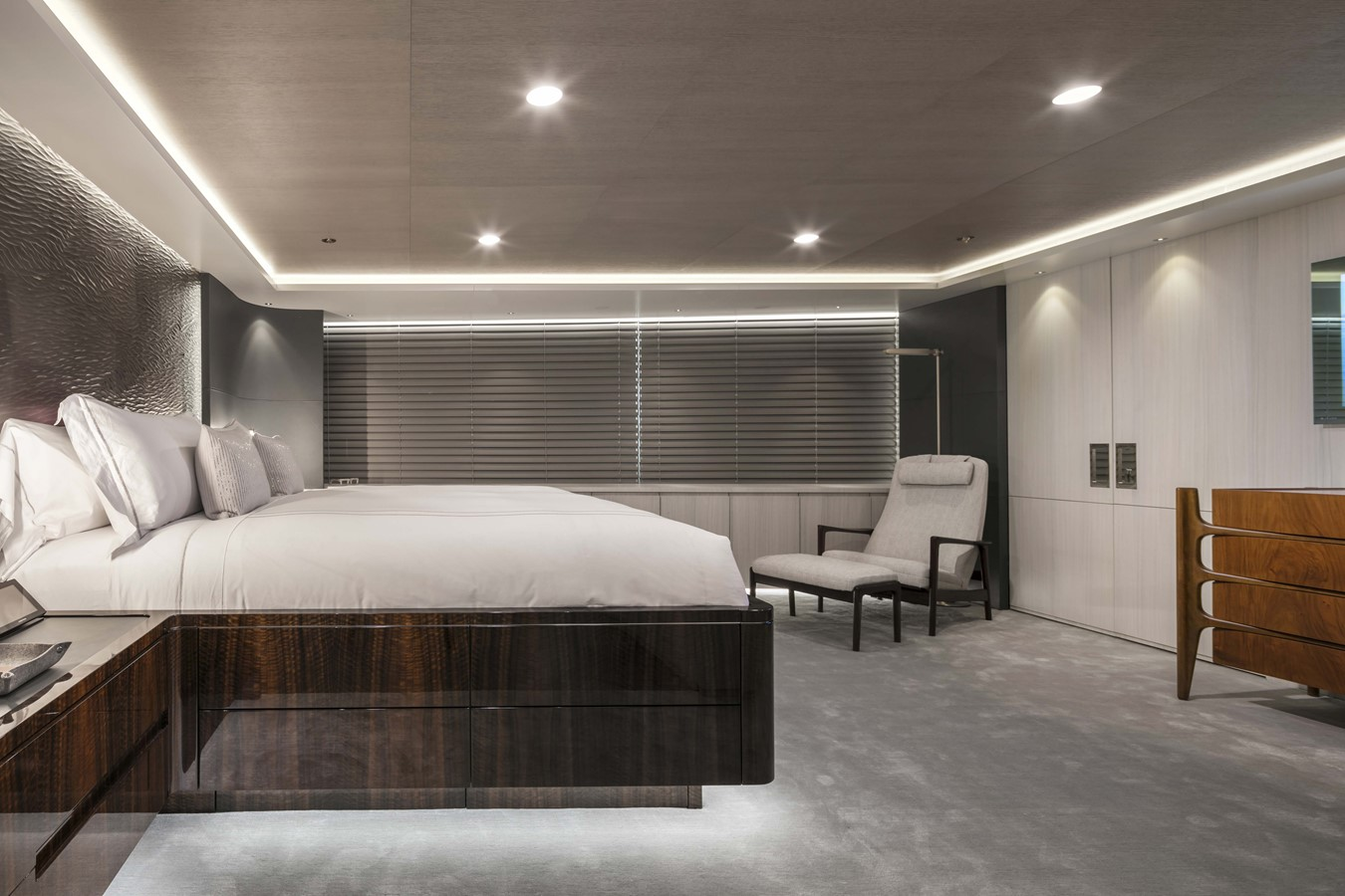 Master Stateroom - 165 FEADSHIP For Sale