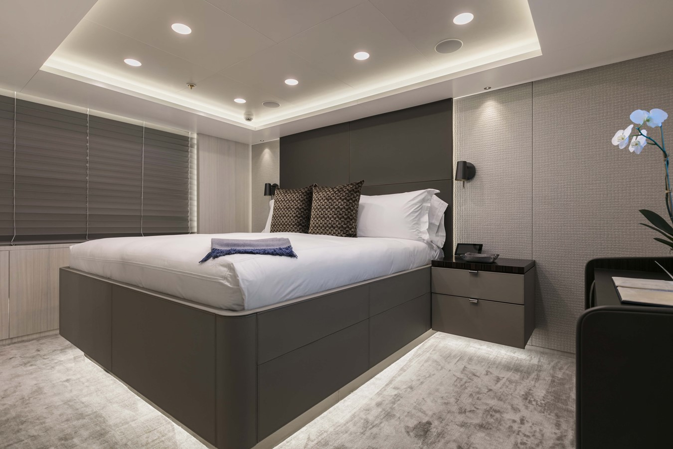 Guest Stateroom - 165 FEADSHIP For Sale
