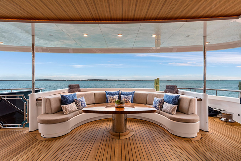 Aft Deck 2000 FEADSHIP Tri-Deck Motor Yacht 2314152