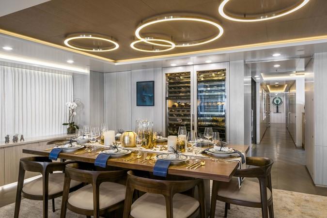 Dining Area 2000 FEADSHIP Tri-Deck Motor Yacht 2314127