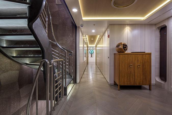 Formal Foyer 2000 FEADSHIP Tri-Deck Motor Yacht 2314133