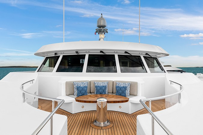 Foredeck 2000 FEADSHIP Tri-Deck Motor Yacht 2314162